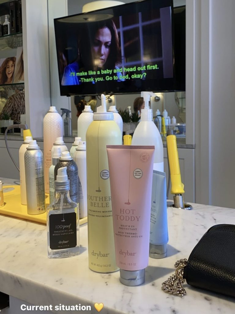 I'M NOT A HAIR PRO, SO THIS DRYBAR BLOWOUT ROUTINE IS A LIFESAVER