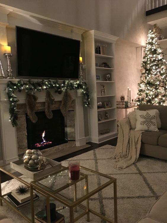 ASHLEY'S CHRISTMAS MOVIE LIST